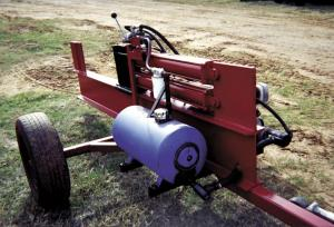 Farm Show Two Cylinders Give Home Built Log Splitter
